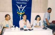 Divaldo Franco com Miguel de Jesus e Julia Nezu, na sede da USE em São Paulo.