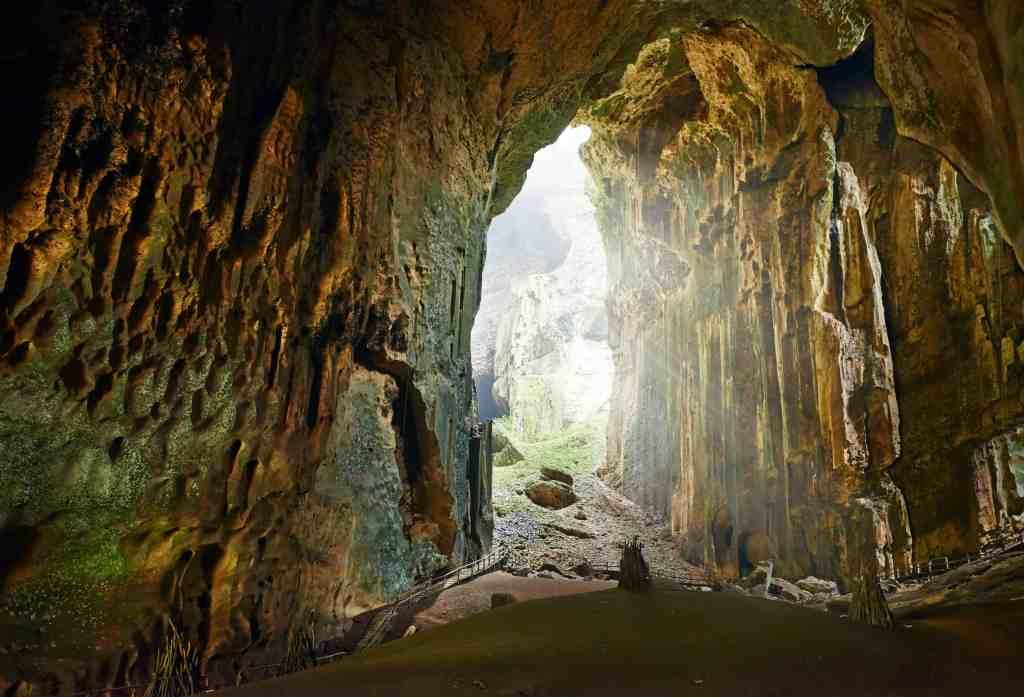 Beautiful caves of Borneo Gomantong