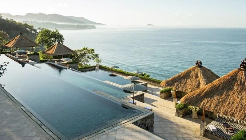 amankila-resort-bali-1400x800