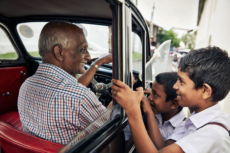 Chauffeur-guides in Sri Lanka