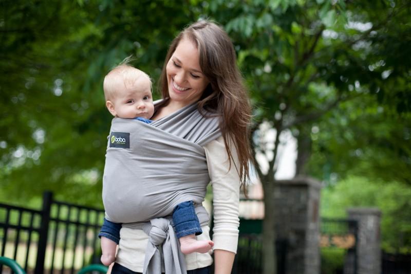 Porteo: ¡cómo les gustan los abrazos de mamá!