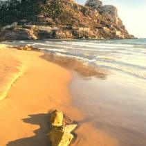 Arena fina en la Playa Amarilla en Águilas en Murcia