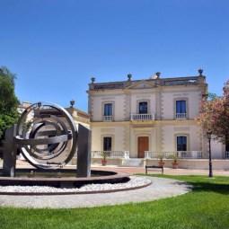 Palacio de estilo Neoclásico del museo de relojes en Jerez