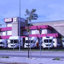 Estacionamiento de autocaravanas en el Caravaning Club Jerez en Jerez de la Frontera