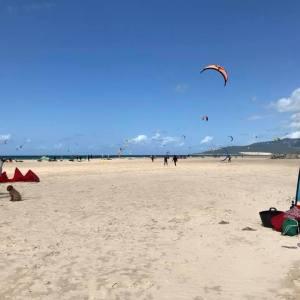 Curso de kitesurf para grupos en Tarifa