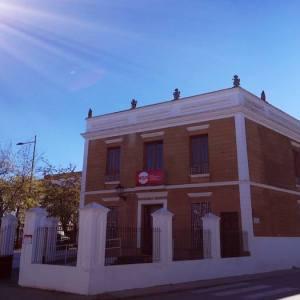 Fachada del edificio de la Medicina en Zafra en Extremadura