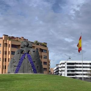 Escultura de la Menina en Alcobendas