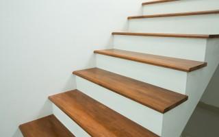 peindre un escalier en bois technique