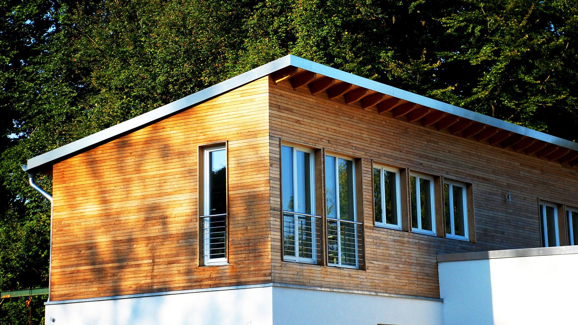 Une surélévation bois sur une maison traditionnelle
