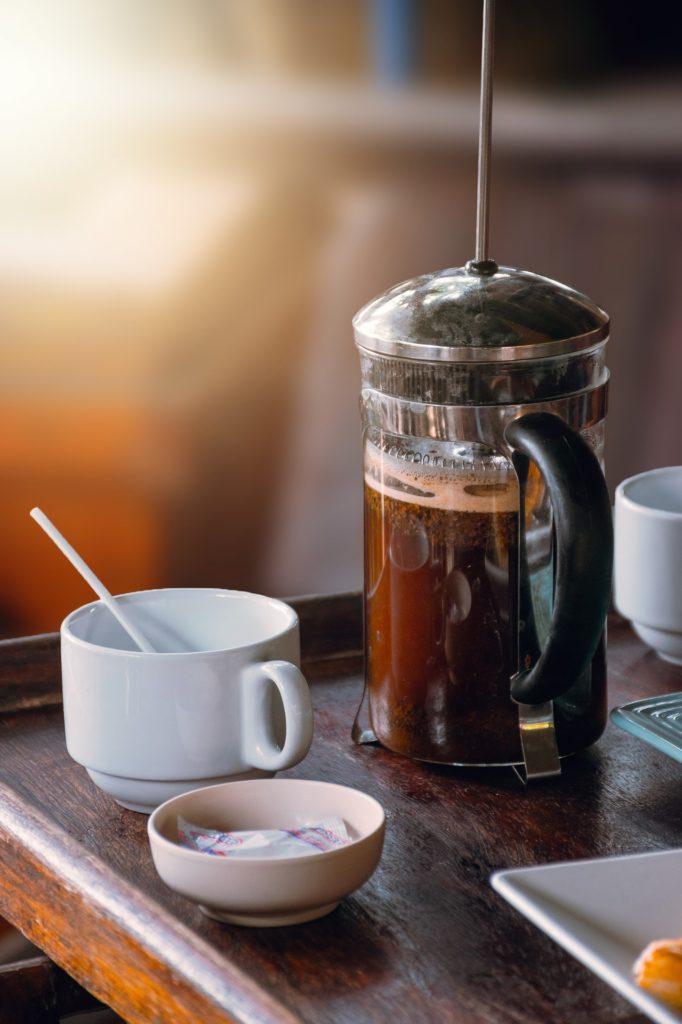 Camping French Press Kaffee einfach zubereiten