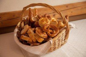 Brotkorb zum Aufbewahren von Brot und Obst