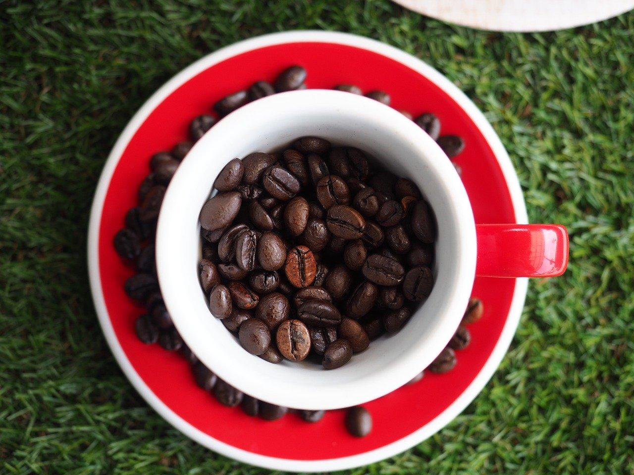 Eine Investition in hochwertige Espressobohnen lohnt sich sehr.