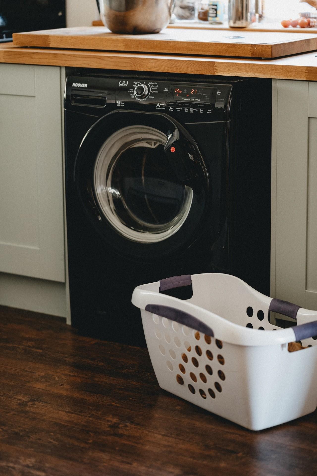 Waschmaschinen 10 kg haben viele Hersteller im Angebot. Es muss nicht immer ein Markengerät sein.