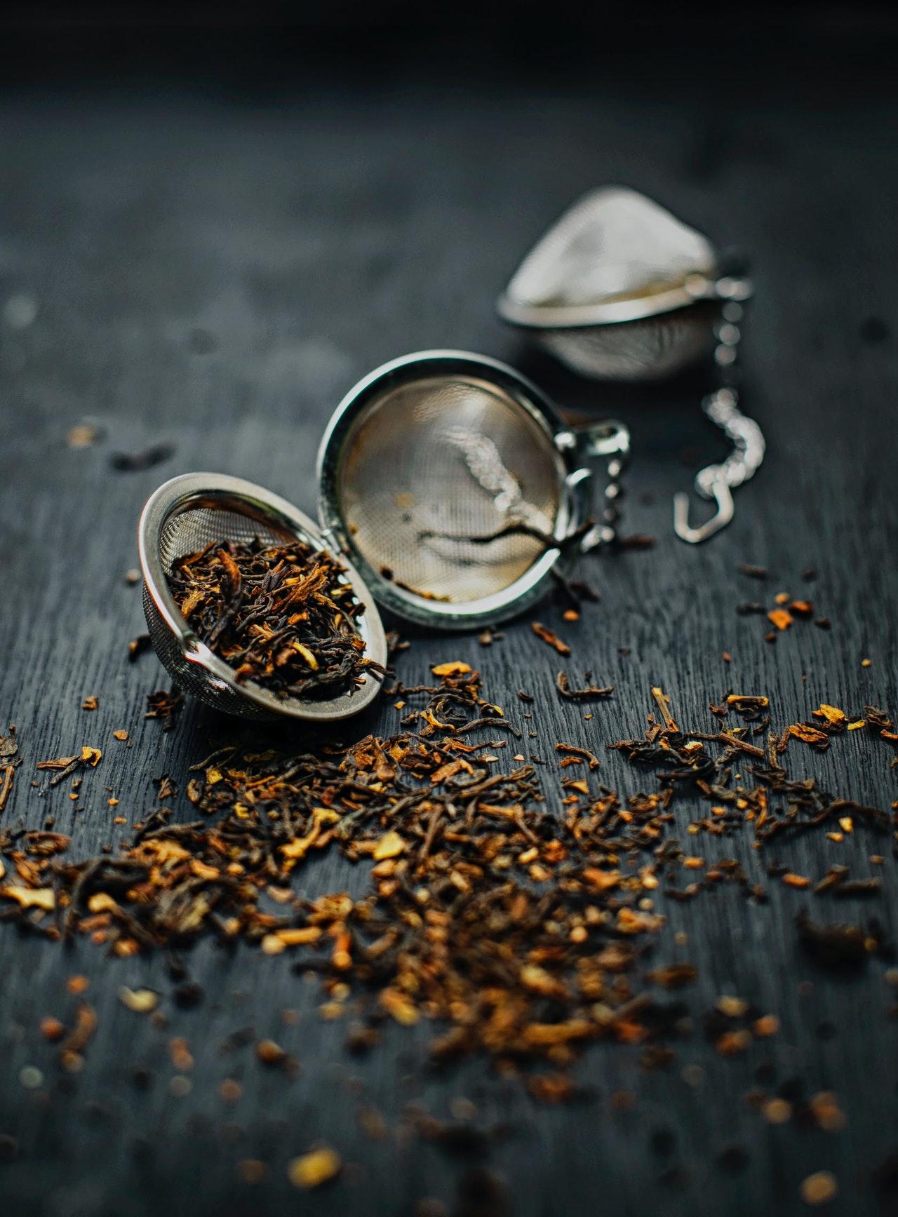Wie ein Babytee zubereitet wird, kommt ganz auf die Art des Tees an.
