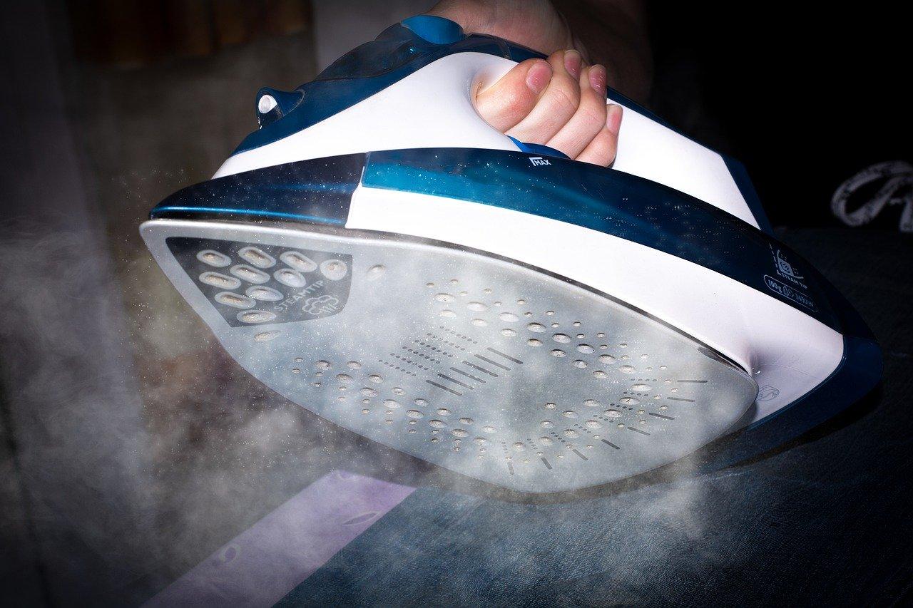 Viele Bügeleisen verfügen über eine Dampffunktion.