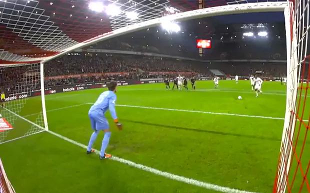 goalkeeper penalty stance