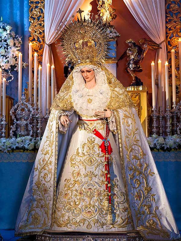 Ntra. Sra. del Amor Hermoso de Linares durante la celebración de la Inmaculada Concepción.