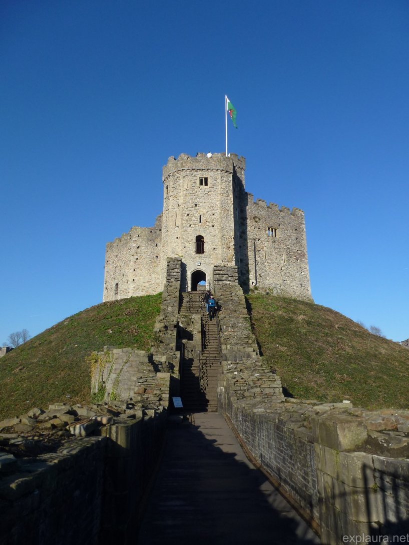 Approaching the keep at Cardiff Castle.