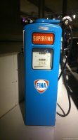 How adorable is this gas pump?
