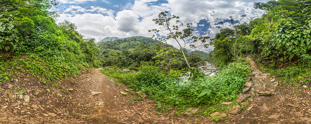 Trail and Buritaca River