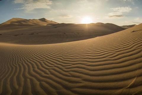huacachina desert oasis peru