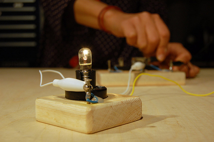 Constructing An Understanding Of Electric Circuits Does A Battery