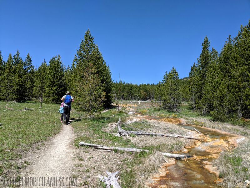 hiking to imperial geyser