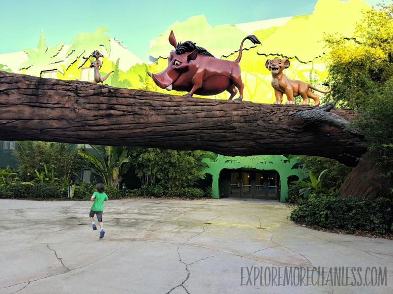 giant lion king sculptures wdw