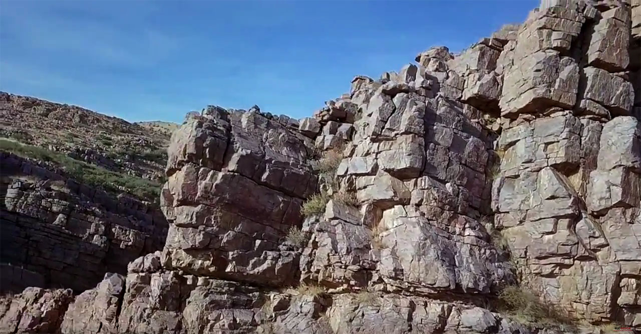 Promised Land Canyon climbing area in Chino Valley AZ