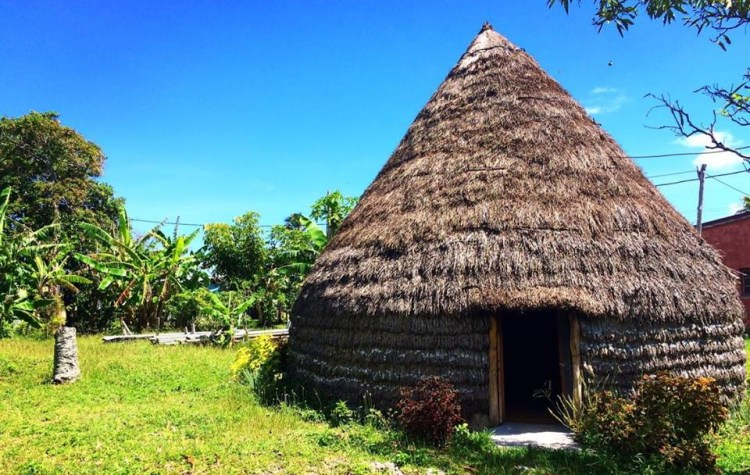 Case kanak à Lifou îles loyauté en Nouvelle Calédonie