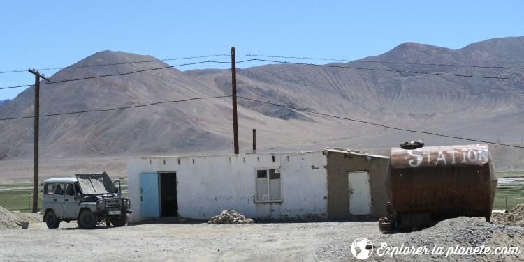 Station d'essence à Murghab.