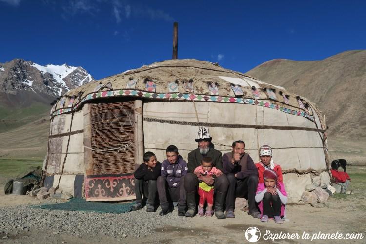 Famille kirghize dans la vallée de Pshart au Tadjikistan