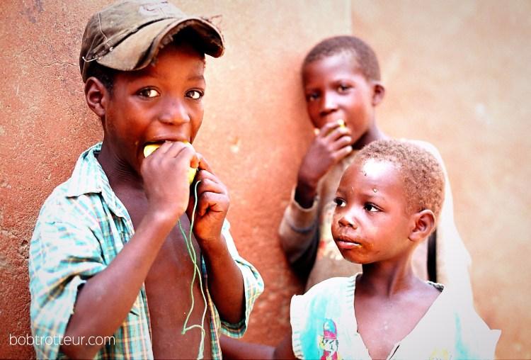 Enfants au Burkina faso destinations en dehors des sentiers battus
