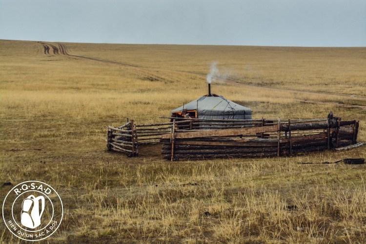 Yourte en Mongolie destinations en dehors des sentiers battus
