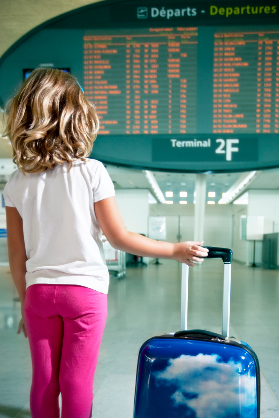 little-girl-airport