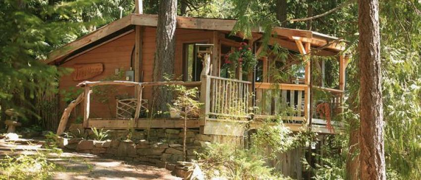 Cliffhouse Treehouse