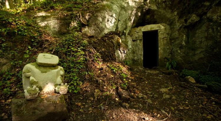 Eingang zur Grotte des Fees