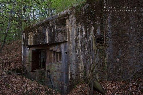 Maginot Line Abri Caverne Entree