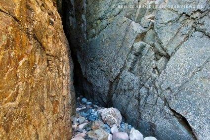 Grotten am Meer