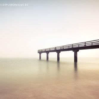 Steg im Nebel Meer Calvados 4242