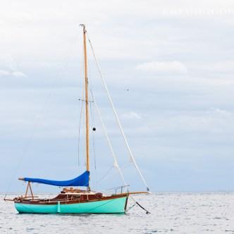 Segelboot im Meer 2550