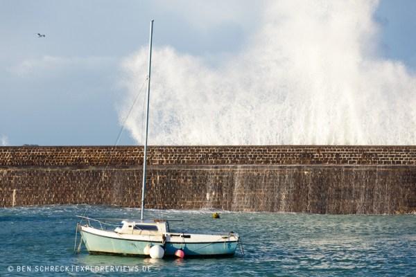 Boot im Hafen - Welle 3590