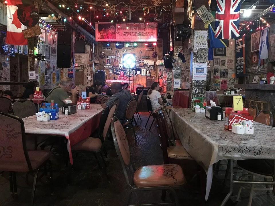 Shows the inside of Morgan Freeman's Ground Zero Blue's Club