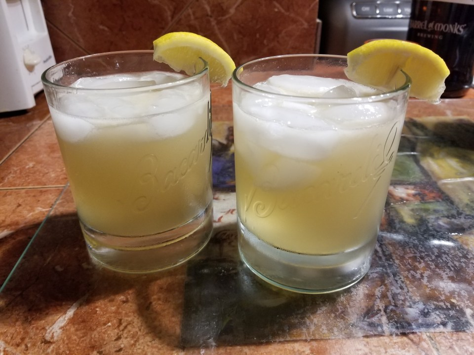 Bourbon lemonade to go with southern soul food recipes