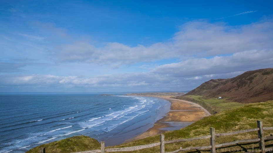 Rhossili Bay, a beautiful spot for a beach holiday in Wales