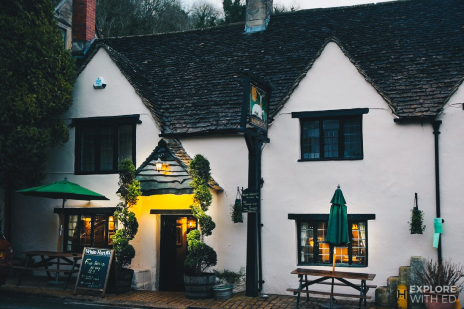 White Hart pub, places to eat in Castle Combe
