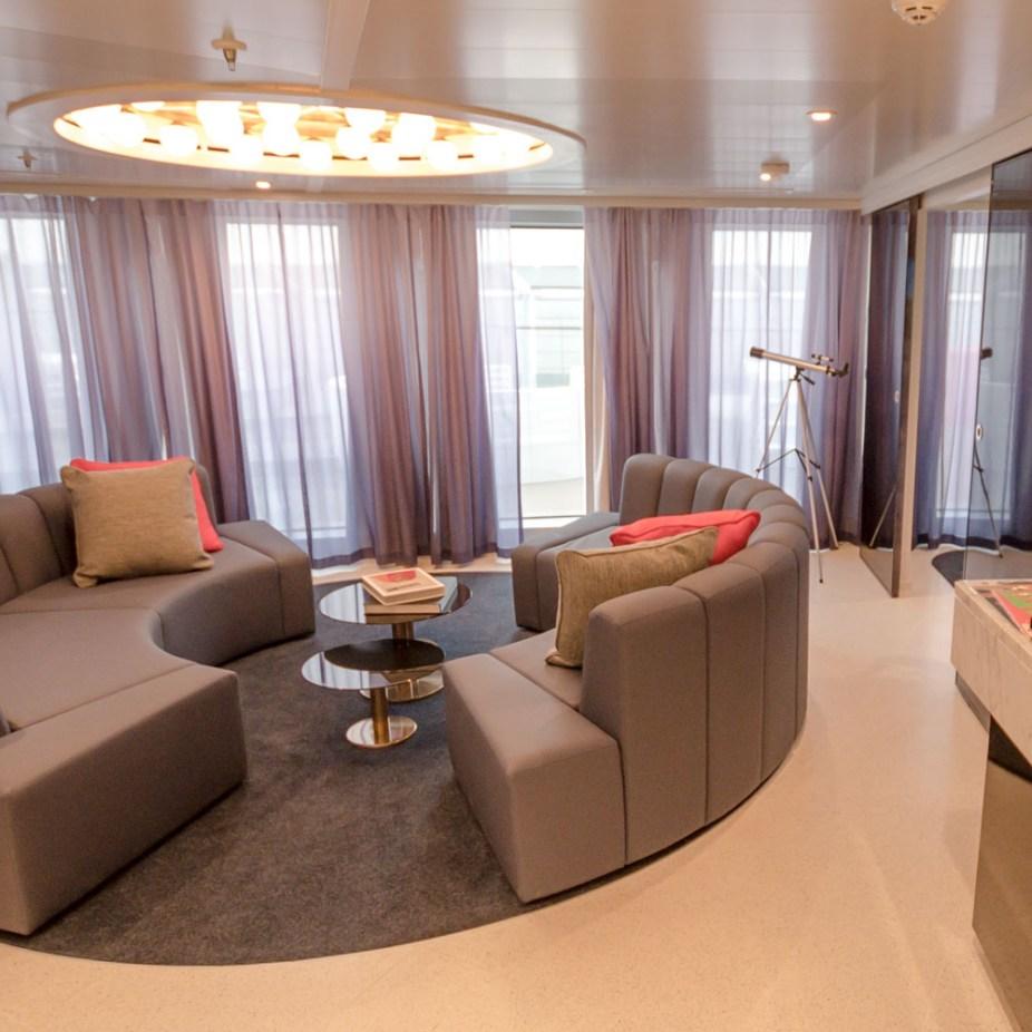 Living area Scarlet Lady's Massive Suite