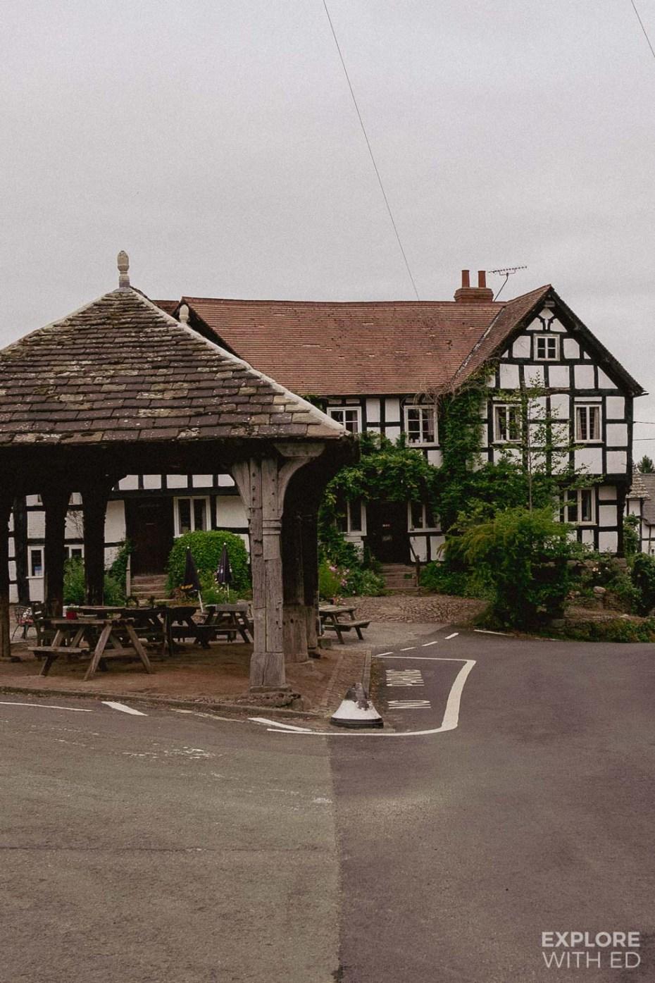 The New Inn Haunted Pub in Pembridge