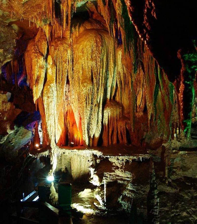 Yellow dragon cave  Zhangjiajie GalleryZhangjiajie