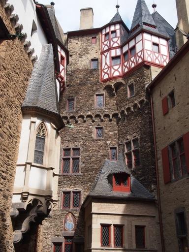 Burg Eltz Eltz Castle A German Fairytale Hidden In A